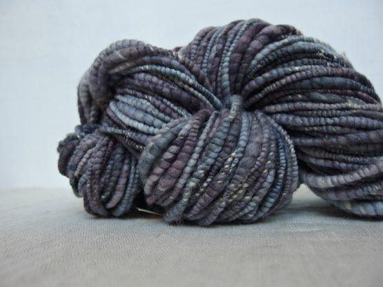 handspun textured slub yarn